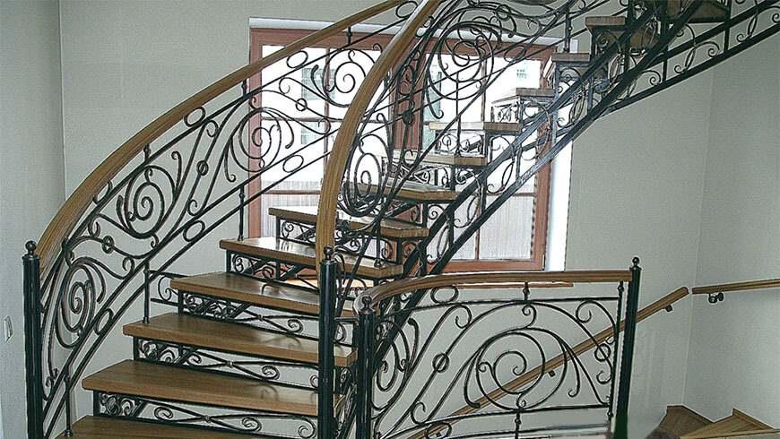 Кованые лестницы купить в Минске